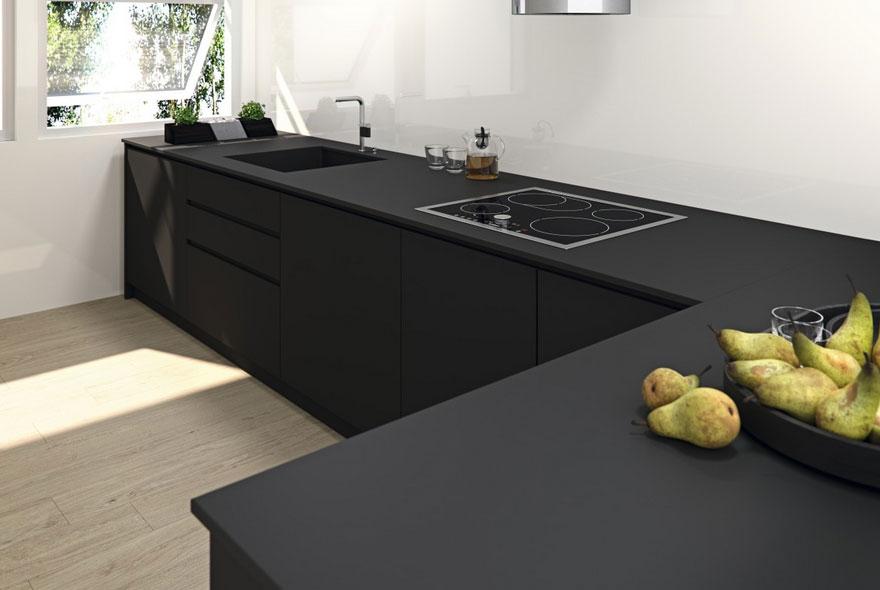 coverlam-porcelain-kitchen-slabs-basic-negro