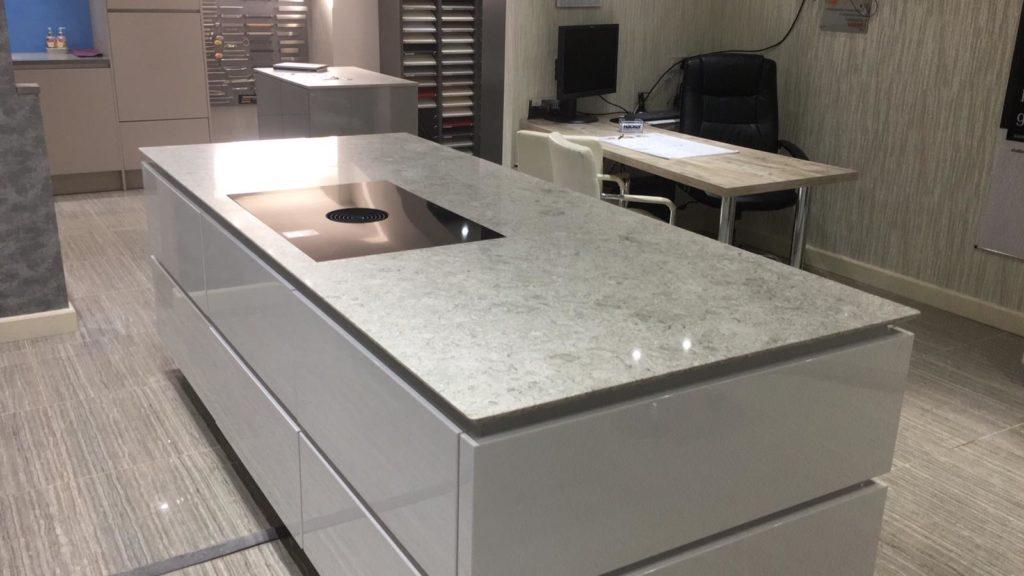 Granite Vs Quartz Countertops Top Pros And Cons Classicquartzstone Uk